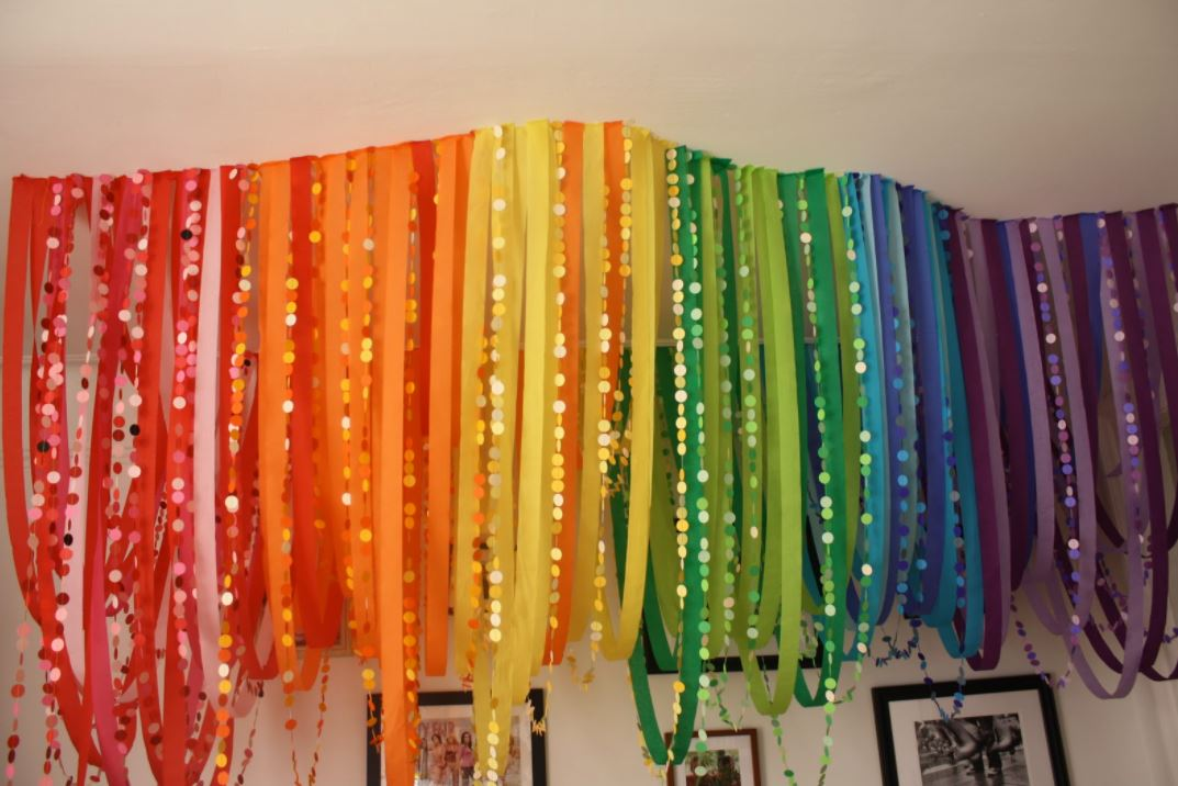 Decorating With Crepe Streamers